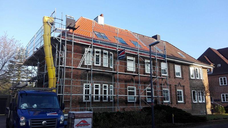 Gerüstbauarbeiten von der Dachdeckerei Plaumann aus Kiel